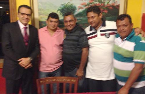 Comitiva de Macau liderada pelo prefeito Kerginaldo é recebida pelo presidente da Câmara, deputado Henrique Alves