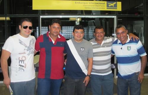 Embarque: prefeito com os vereadores Andrew Leite, Ely Montador, Manoel do Gago e Dantas