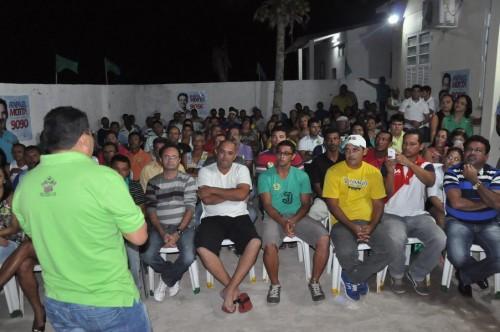 Amigos e correligionários atentos as propostas