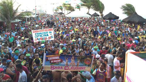 Multidão na Praia