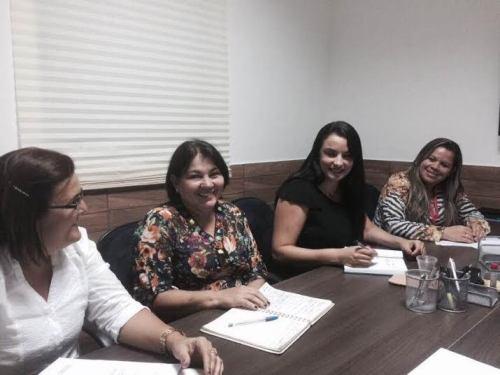 Secretárias Josinete Martins e Ana Mafisa com a consultora do Sebrae, Lígia Vânia e Aline Galdino